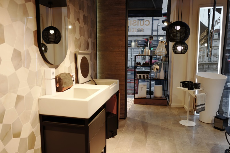 showroom salle de bain lyon. Black Bedroom Furniture Sets. Home Design Ideas